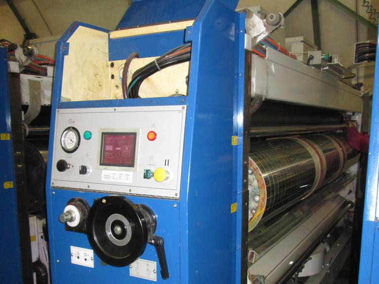 Sustitución del rodillo de goma por una cámara de doble rasqueta en Impresoras Corrumate International