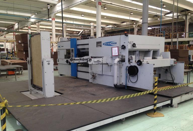 Acorsys ofrece servicios de movimiento y reinstalación de maquinaria del sector cartón a nivel internacional